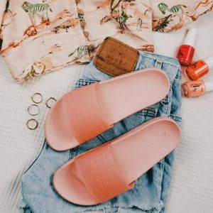 Shoes - Make it Neon// pink slide